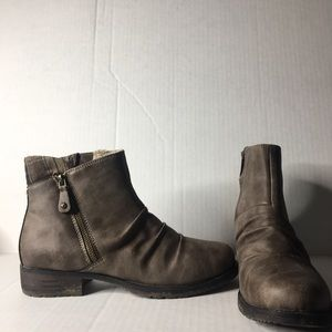 Sporto Holly tan ankle boots. Size 8